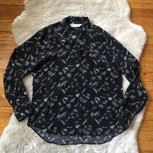 Everlane Black Geometric Print Button-Up Blouse